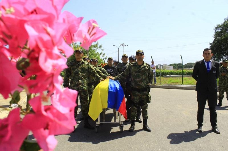 El cuerpo de Marcelo Hernández Rojas fue trasladado al departamento del Tolima donde serán sus exequias.   FOTO/JOAQUÍN RAMÍREZ.