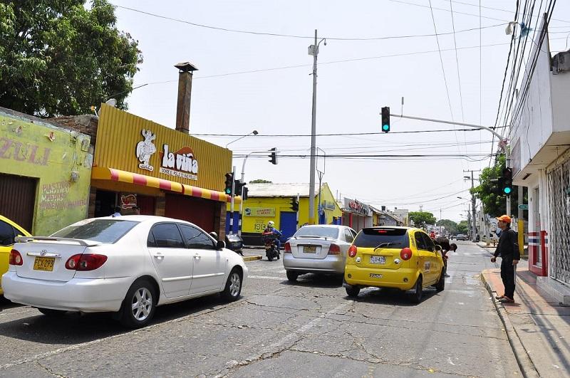 Aproximadamente 200 taxis están prestando el servicio mediante la modalidad de llamada.  FOTO/Joaquín Ramírez.