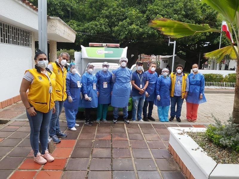 Los estudiantes contaron con apoyo médico y policial durante el recorrido a sus lugares de origen.   FOTO/CORTESÍA.