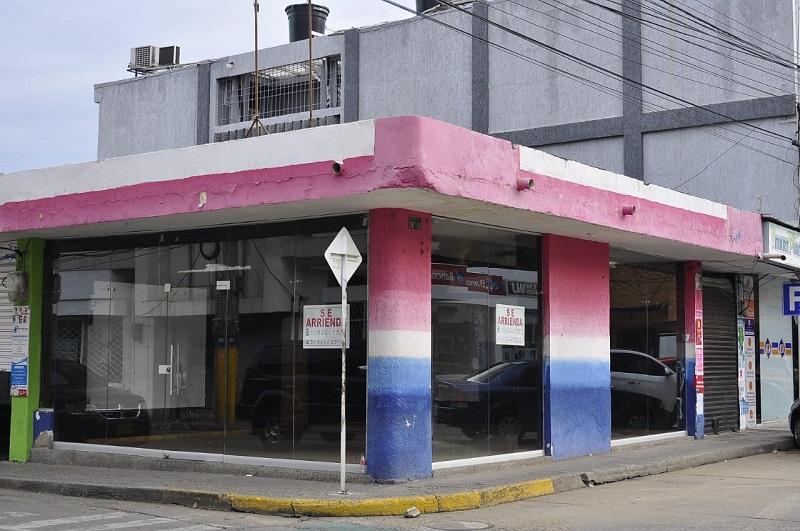 El cierre de los negocios permitió que el desempleo creciera en un 20.7% en diciembre.   FOTO/JOAQUÍN RAMÍREZ.