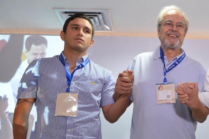 En el 2016 Jorge Tovar participó de un foro en Valledupar en compañía con Jaime Palmera, hermano de 'Simón Trinidad'.   FOTO/CORTESÍA.