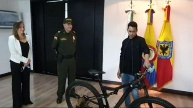 El cantante agradeció a la Policía en un video en Instagram.   FOTO(CORTESÍA.