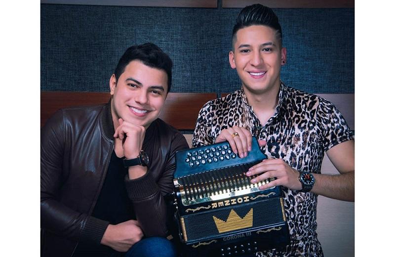 Rafael María Díaz y su acordeonero David Carreño.     FOTO/CORTESÍA.