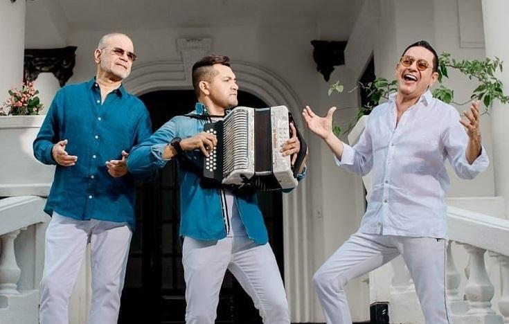 Iván Villazón, Manuel Julián Martínez e Iván Ovalle interpretan 'Una loca humanidad'     FOTO/INSTAGRAM.