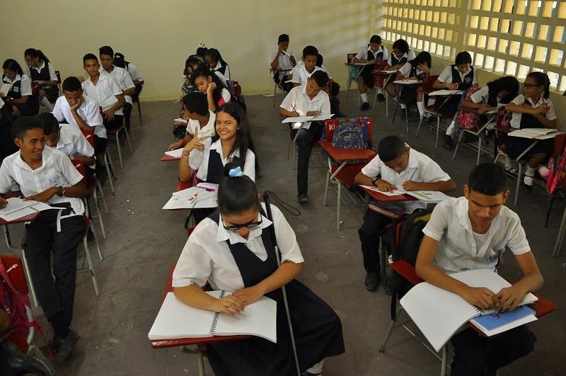 Luchar porque los estudiantes permanezcan en sus estudios es la tarea de la Secretaría de Educación Municipal, rectores y docentes de Valledupar. Archivo/EL PILÓN