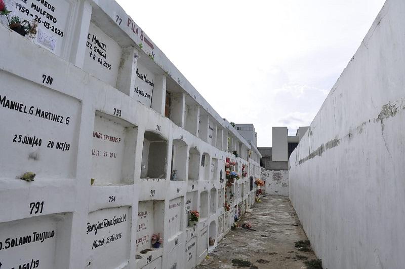 Los restos fueron encontrados en un lote que se convertiría en un cementerio para los fallecidos por covid-19.  FOTO/JOAQUÍN RAMÍREZ.