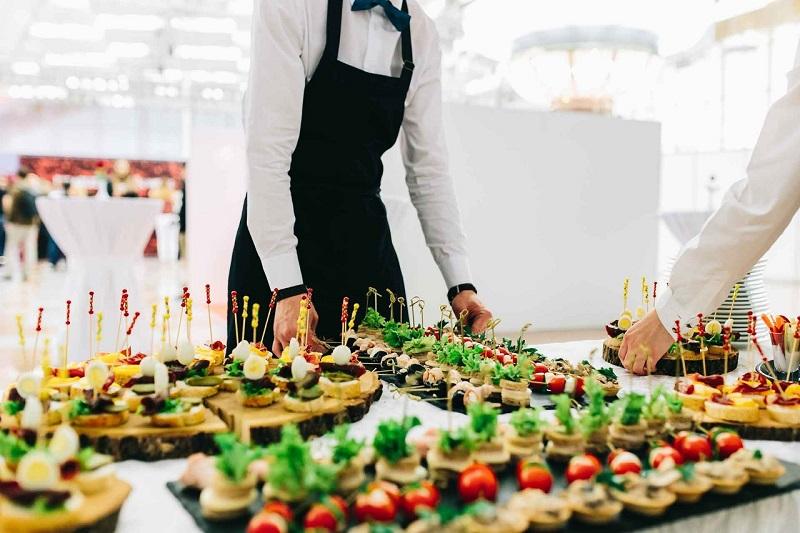 El 'catering' o servicio a domicilio de todo lo que necesite alguien para sus reuniones sociales o eventos fue una de las temáticas de este evento promovido por EL PILÓN, en alianza con Gases del Caribe.   Foto: Cortesía/EL PILÓN