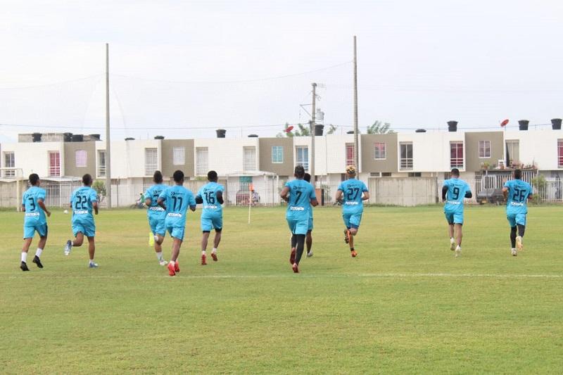 Valledupar Fútbol Club trabaja con el grupo completo y este sábado esperan volver a sumar de a tres.   FOTO/CORTESÍA.