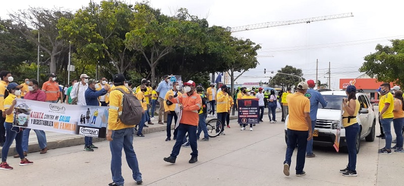 Diferentes grupos de trabajadores en todo el país se unieron a la marcha auspiciada por la Central Unitaria de Trabajadores.   FOTO/CORTESÍA.