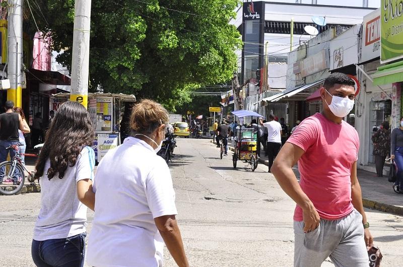 Aún no se conoce si Valledupar se sumará a las ciudades con el comercio abierto las 24 horas el día sin IVA.  Foto:  Joaquín Ramírez/EL PILÓN