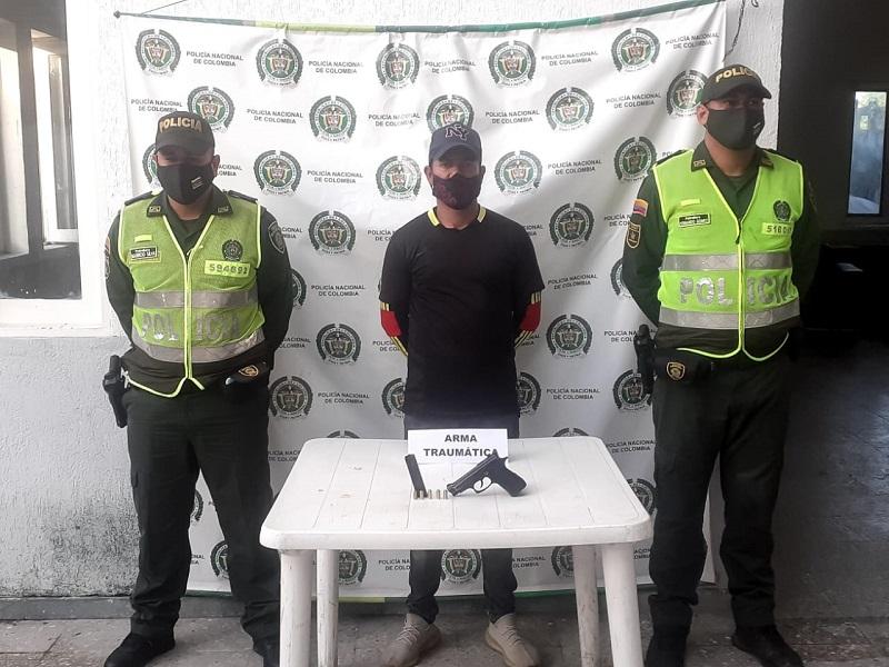 Jorge Martínez cuando fue llevado a la Estación de Policía.   FOTO/CORTESÍA.