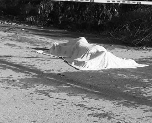 Las víctimas fueron encontradas en vía pública.