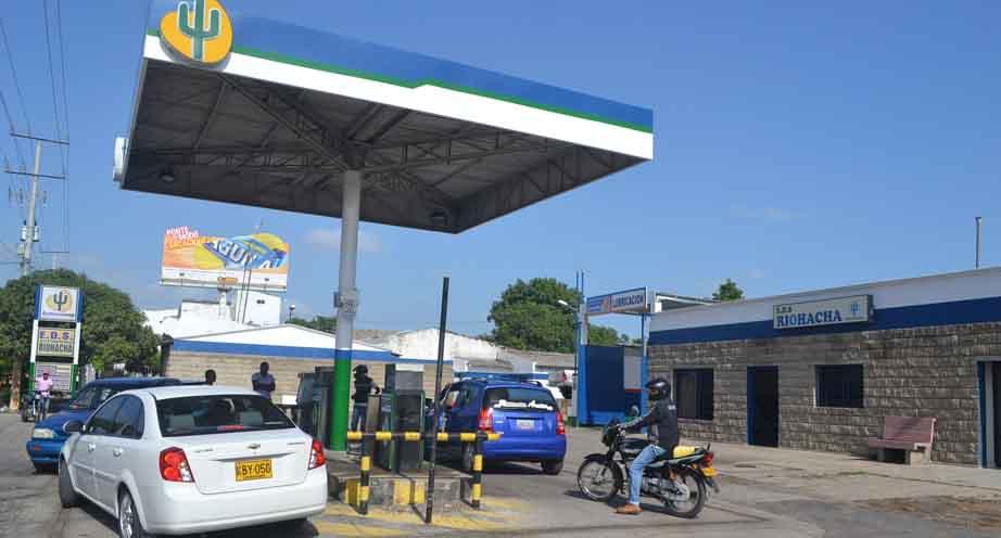 Un total de $2.500 millones de pesos espera recaudar la administración municipal con el aumento de la sobretasa a la gasolina.  Imagen de referencia.