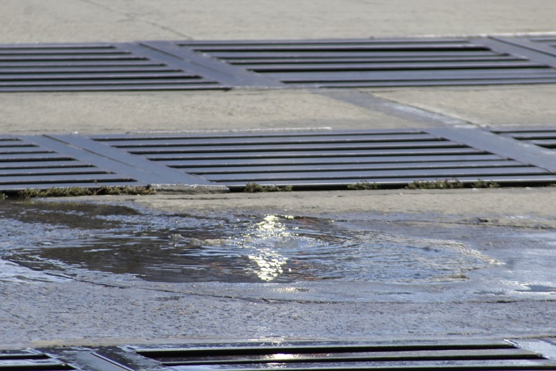 En un plazo de 12 meses se espera realizar la construcción de alcantarillado y el canal para el drenaje.  FOTO/ARCHIVO.