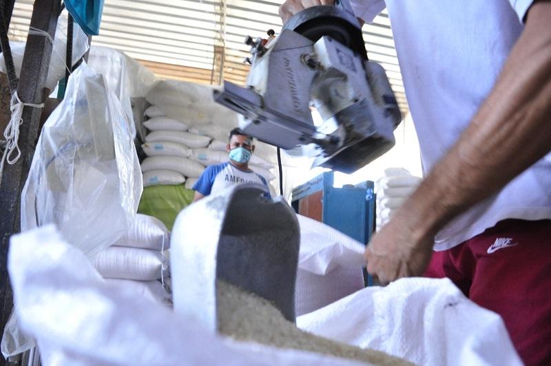 El incentivo de almacenamiento se obtiene por una tonelada de arroz almacenada.   FOTO/JOAQUÍN RAMÍREZ.