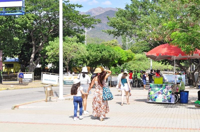 Los turistas prefieren destinos con espacios naturales para compartir en familia.   FOTO/JOAQUÍN RAMÍREZ.