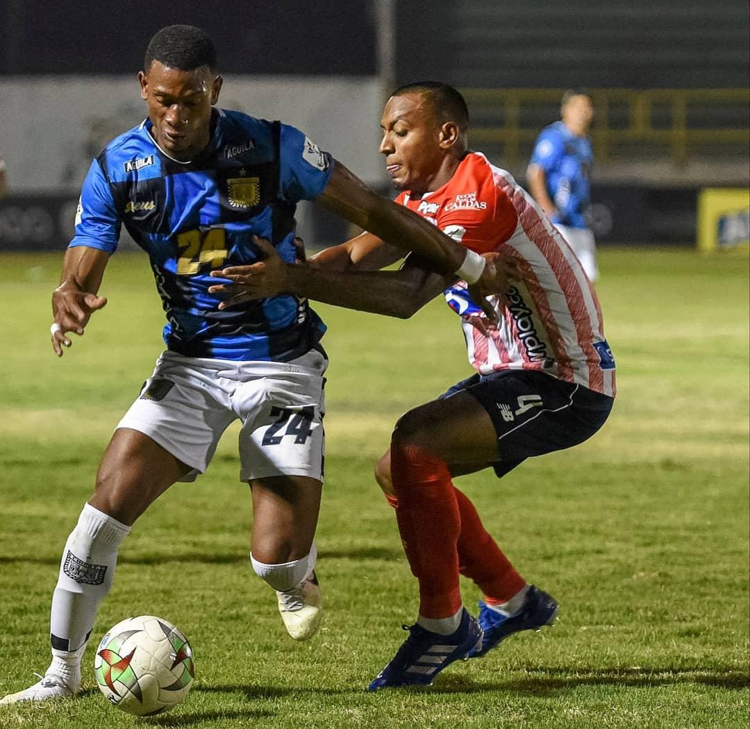 Willer Ditta se vio comprometido en uno de los goles que el Chicó le marcó a Junior.